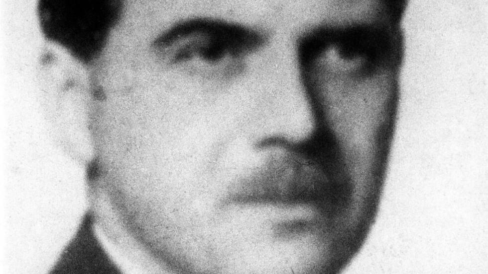 TETT PÅ: Legen Josef Mengele ble berømt og beryktet for sine groteske eksperimenter på levende mennesker. Nazilegen rømte etter krigen til Sør-Amerika. Nå er det funnet dokumenter som viser at polske myndigheter på 70-tallet deltok i jakten på ham - og faktisk var tett på å kunne gripe mannen. Foto: AP