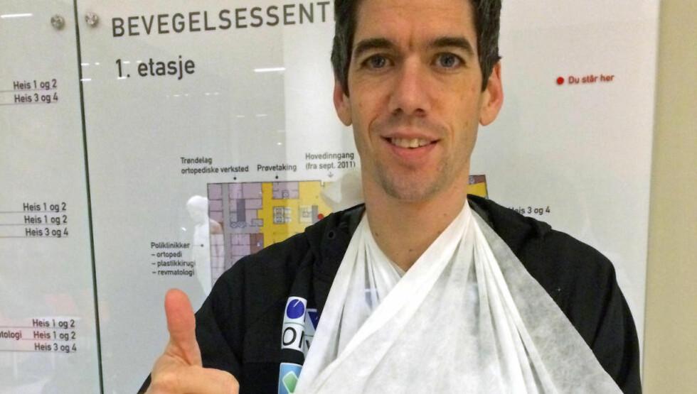 SNART GIPSFRI: Anders Bardal brakk hånden da han falt i polske Wisla 15. januar. Allerede onsdag fjernes gipsen og erstattes med en karbonfiberskinne. Foto: Norges Skiforbund / NTB scanpix