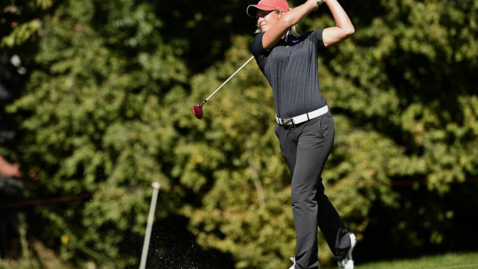 KLATRER: Suzann Pettersen jakter sin tredje seier i LPGA-turneringa i Taiwan. Etter en solid runde klatrer hun på lista. Foto: AFP PHOTO / JEFF PACHOUD