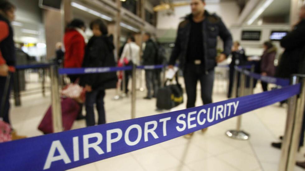 ØKT TERRORFARE:  Det britiske utenriksdepartementet har utstedt et nytt reiseråd, hvor de advarer mot økt fare for terrorangrep mot britiske borgere og britiske interesser. Foto: REUTERS/Bogdan Cristel/Scanpix