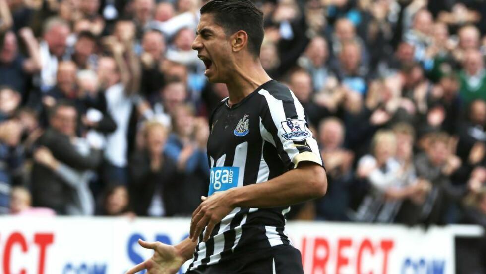 MATCHVINNER:  Ayoze Perez avgjorde for Newcastle mot Liverpool. Foto: AFP PHOTO / IAN MACNICOL