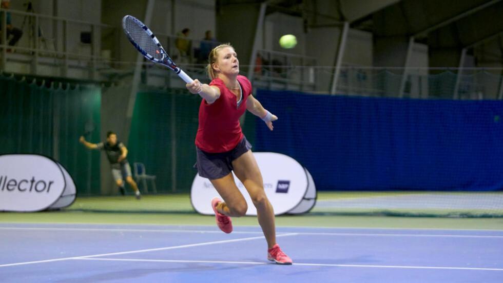 SEIER:  Emma Flood vant Norwegian Open etter å slått sveitsiske Tess Sugnaux i to strake sett i finalen. Foto: Privat.