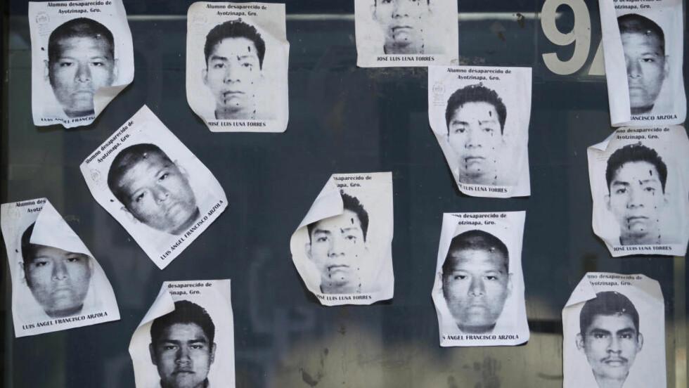 FORSVUNNET: Etter den grusomme forsvinningssaken der 43 unge, mannlige studenter antas drept, har det blitt rullet opp en skitten underverden som styrer det sørlige Mexico. Drap og korrupsjon er blitt ensbetydende med politistyrken i byen Iguala og Guererros Undidos-kartellet som skal ha selve ordføreren i spissen, har loven i sin hule hånd. Foto: REUTERS/Jorge Dan Lopez/NTB Scanpix