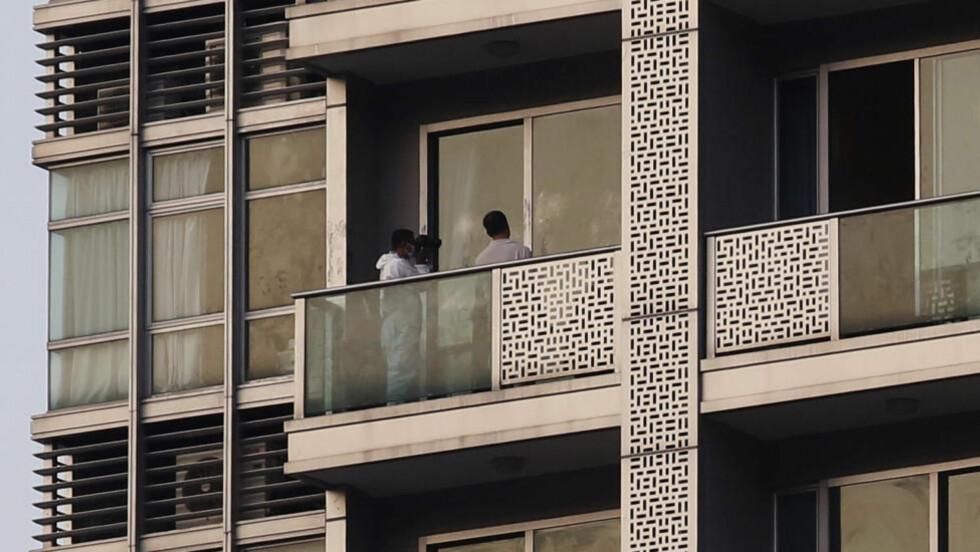 FUNNET DREPT:  To prostiuterte ble funnet drept i en leilighet i forretningsstrøket Wan Chai i Hongkong. Foto: REUTERS/Tyrone Siu