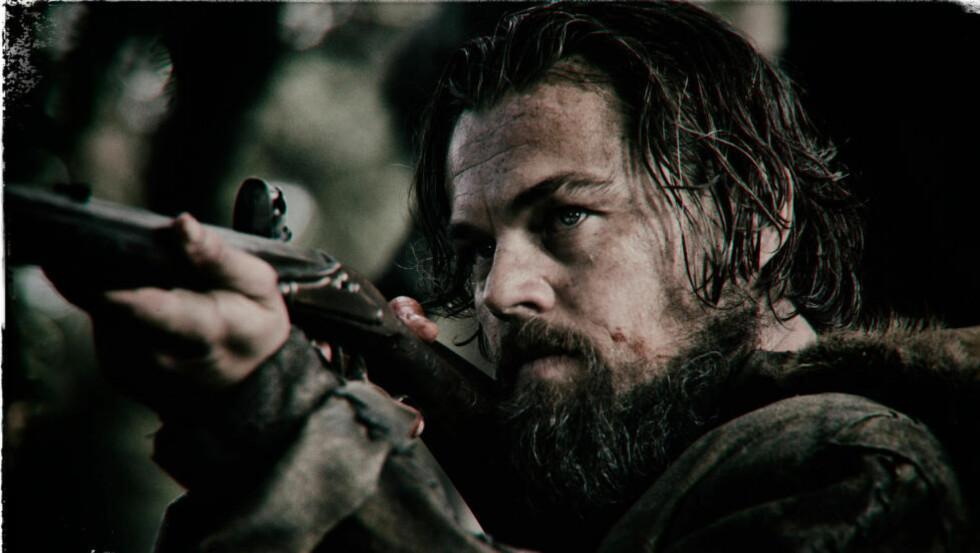 JEGEREN JAGER: Leonardo DiCaprio spiller hovedrollen i det kommende westernhevndramaet «The Revenant». Medskuespiller Kristoffer Joner vises dessverre ikke på noen av bildene som nå er offentliggjort. Filmen har premiere i USA i romjula. Foto: 20th Century Fox