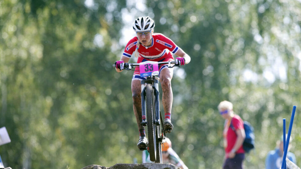 BEST I GJØRMEN: Lene Byberg vant i helgen det første norgesmesterskapet i sykkelkross. Her er hun avbildet under damenes rundbaneritt i VM i terrengsykling i Hafjell. Foto: Geir Olsen / NTB scanpix