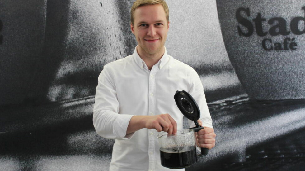 GOD KAFFE: Det hjelper ikke om utstyret og teknikken er i orden, om ikke råvarene er skikkelige. Invester i litt god kaffe også, og trakt den selv, er tipset fra Måns Akne Andersson. Foto: ELISABETH DALSEG / DINSIDE.NO