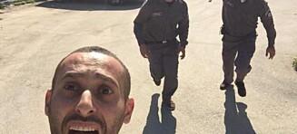 Tok selfie med væpnet israelsk politi hakk i hæl