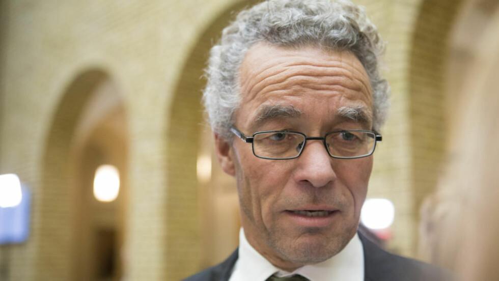 KLIMALOV:  Miljøpartiet De Grønnes Rasmus Hansson vil innføre en klimalov som forplikter regjeringen til å gjennomføre klimapolitiske vedtak. Foto: NTB/Scanpix