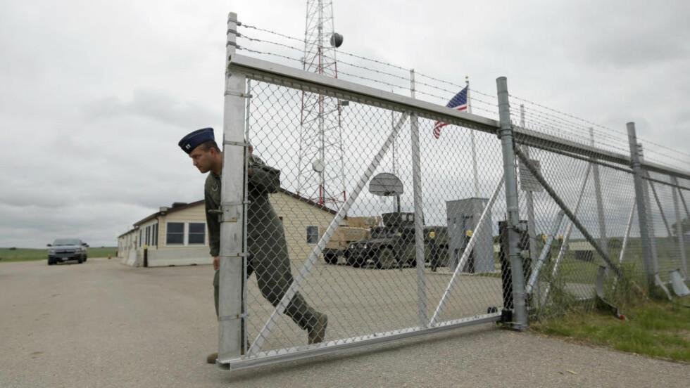 SPARKER OFFISER:   Ved denne forsvarsbasen i Minot i Nord-Dakota har en ledende offiser fått sparken og en refs i den siste av en rekke skandaler som har ridd atommissilavdelingen av det amerikanske luftforsvaret.