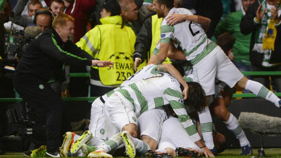 CELTIC-SUKSESS: Neil Lennon (t.v) ledet Celtic til tre strake ligagull, før han ga seg i sommer. Foto: REUTERS / Russell Cheyne / NTB SCANPIX