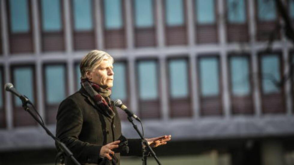 REAGERER: Venstre-nestleder Ola Elvestuen. Foto: Thomas Rasmus Skaug / Dagbladet