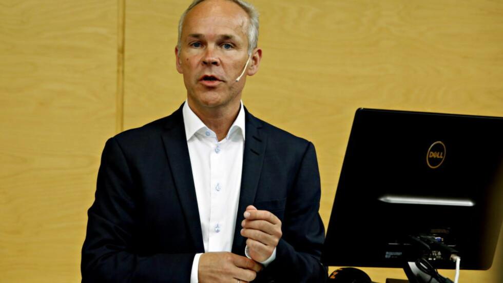 RIVEMINISTER: Regjering den norske ved kommunal - og moderniseringsministeren, som heretter må belage seg å få skrevet navnet sitt med tre Y-er, kan fortsatt snu i saken rundt Y-blokka. Y for Ypperlig det. Foto: Jacques Hvistendahl