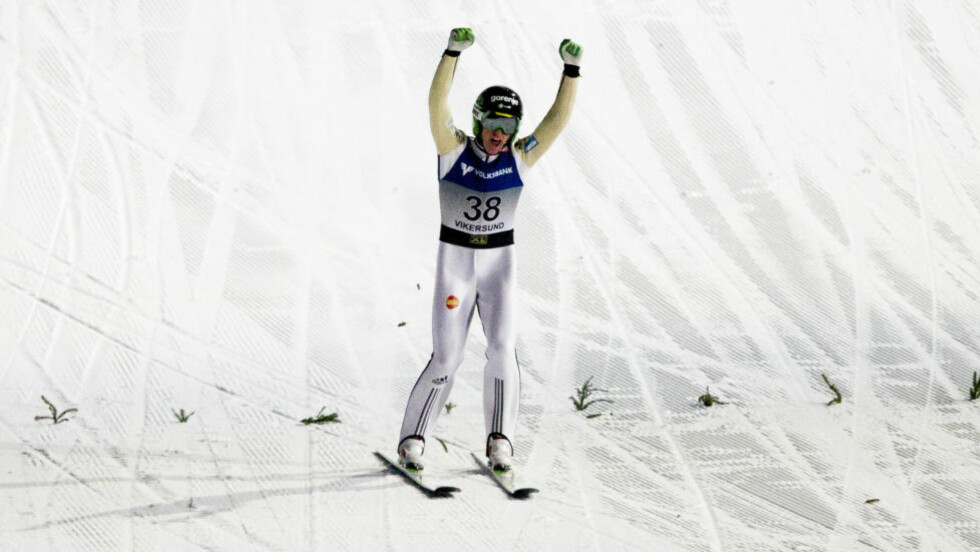 NY VERDENSREKORD: Peter Prevc hoppet 250 meter i Vikersund lørdag, og satte ny verdensrekord. - Jeg har ingen anelse om hvordan det føles å fly 250 meter på ski. Men det ser dritlekkert ut, skriver Morten P. Foto: Vegard Wivestad Grøtt / NTB scanpix