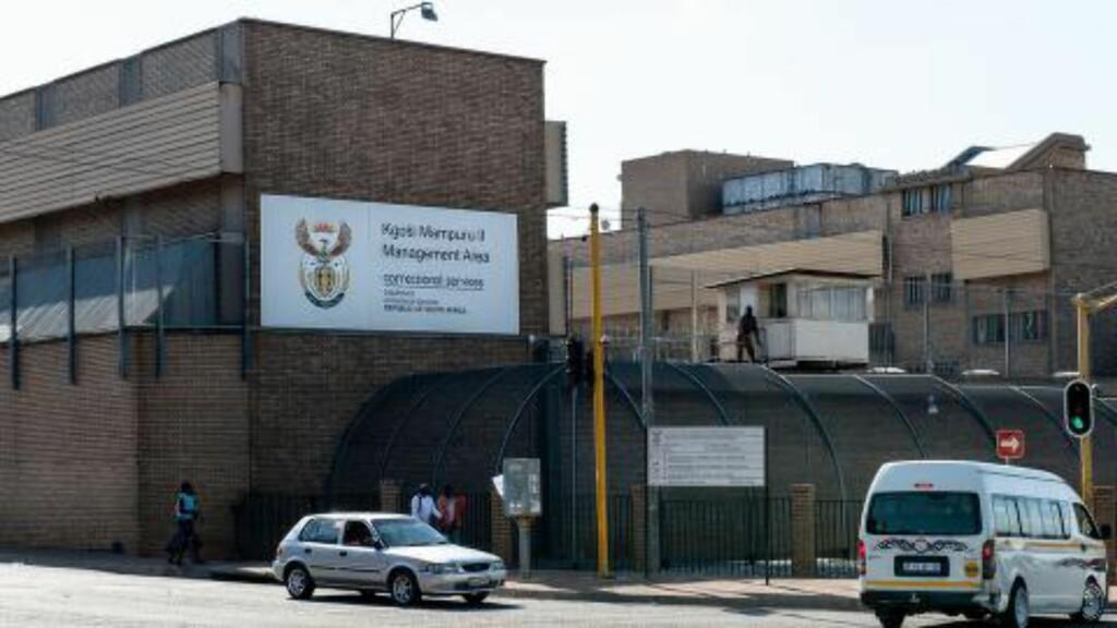 SONER: Her i Kgosi Mampuru-fengselet i Pretoria sitter Pistorius fengslet for drap. Foto: AFP PHOTO/STEFAN HEUNIS