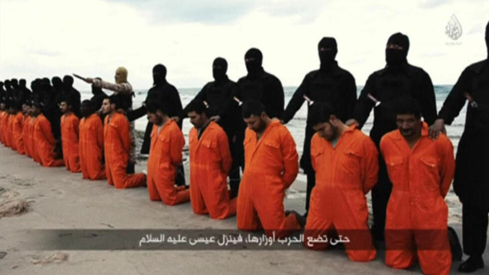 MASSEDRAP:  Henrettelsen av 21 koptiske, kristne egyptere førte til en umiddelbar miilitær reaksjon fra Egypt. Foto: REUTERS