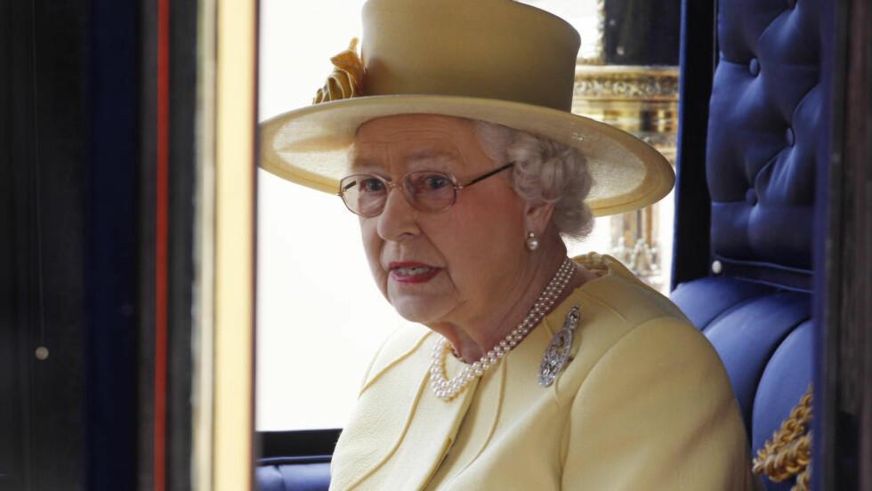 TERRORMÅL: Dronning Elizabeth. Foto: Suzanne Plunkett  / Reuters / NTB Scanpix