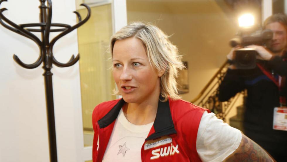 INGEN KONKURRANSER:  Langrennsløperen Vibeke Skofterud sliter med kneskade og går glipp av hele skisesongen, melder TV 2. Foto: Terje Bendiksby / NTB scanpix