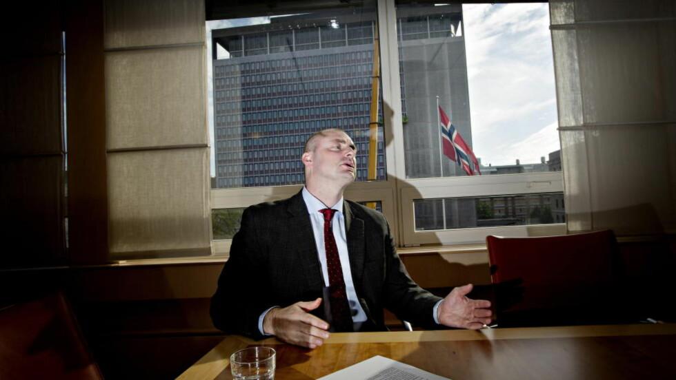 MED KLARE KRAV: Arbeids- og sosialminister Robert Eriksson (Frp) sender detaljerte krav til Nav. Foto: Anita Arntzen / Dagbladet