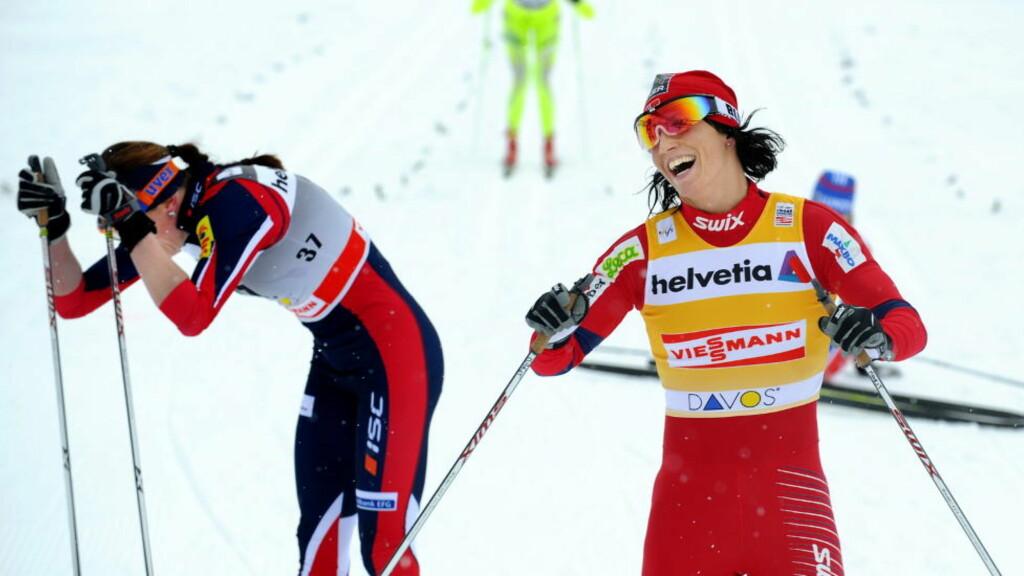 ALT SOM VANLIG:  Marit Bjørgen jubler for nok en seier med Justyna Kowalczyk rett bak. FOTO::ERIK BERGLUND/Dagbladet.