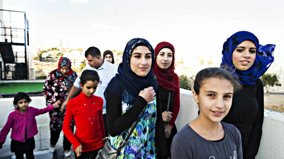 20141022 AMMAN  /   IRBID  De sju søstrene som er utvit fra Namsos sammen med sine foreldre, er fotografert i Amman og hjemme i den palestinske flyktningeleiren i Irbid i Jordan. Foto: Hans Arne Vedlog  / Dagbladet