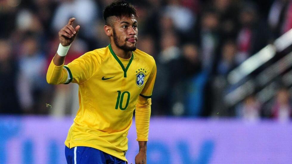 SCORET TO: Barcelona-stjernen Neymar scoret to mål da Brasil vant hele 4-0 borte over Tyrkia onsdag. Foto: AFP PHOTO/OZAN KOSE
