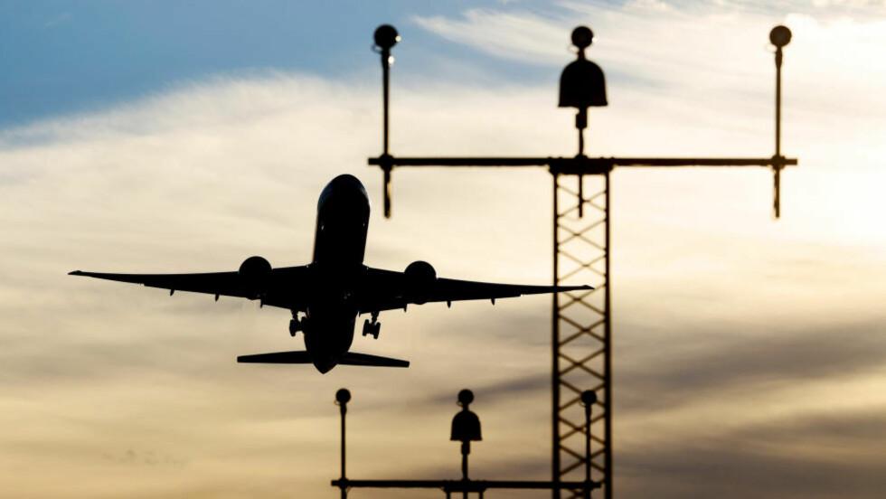 FORSINKET: Innføringen av nye innflygningsrutiner for Midt- og Vest-Norge fører til forsinkelser i flytrafikken ved 16 norske flyplasser torsdag. Foto: Håkon Mosvold Larsen / NTB scanpix