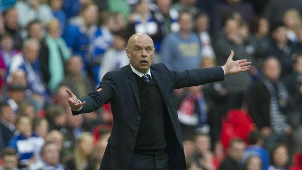 SPARKET:  Uwe Rösler har fått sparken fra Championship-klubben Wigan. Foto: AP Photo/Bogdan Maran