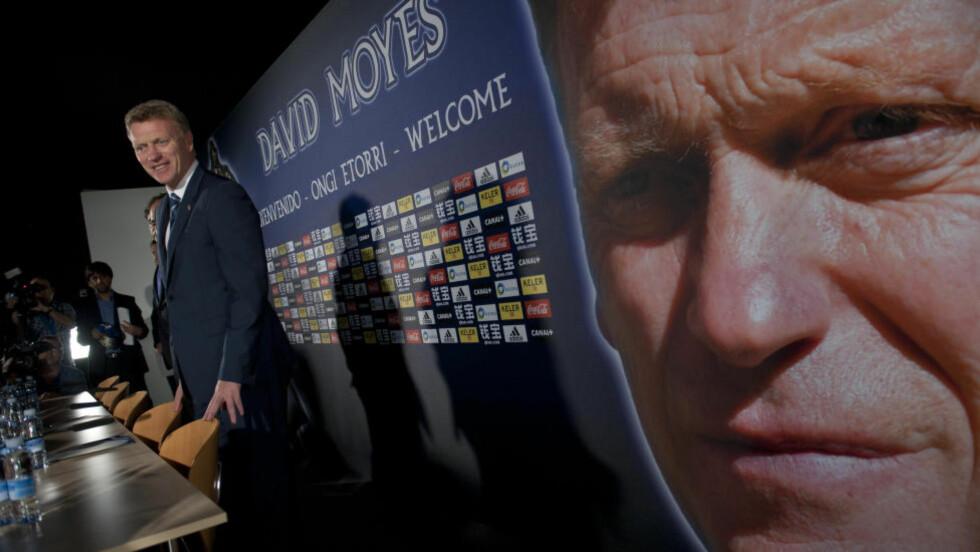 PRESENTERT:  David Moyes ble i dag presentert som Real Sociedads nye manager. Foto: AP Photo/Alvaro Barrientos/NTB Scanpix.