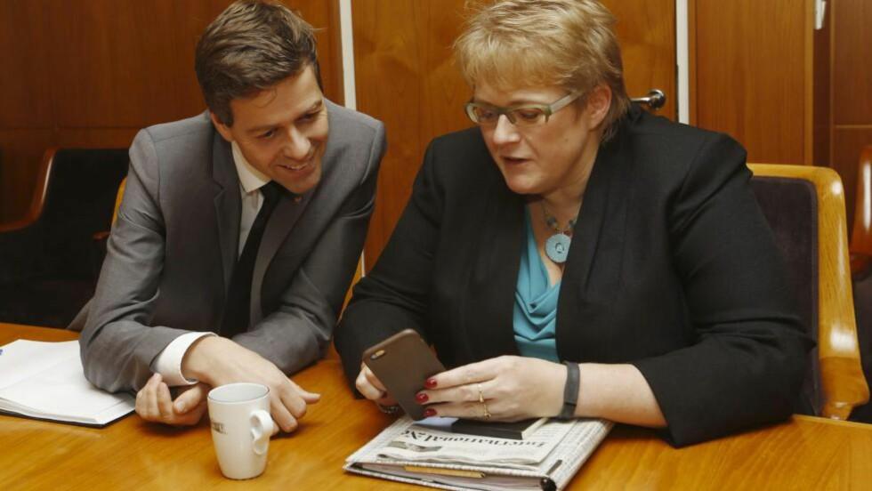 KREVER MER: KrF-leder Knut Arild Hareide og Venstre-leder Trine Skei Grande krever mer for å fortsette budsjettforhandlingene. Foto: Terje Bendiksby / NTB Scanpix