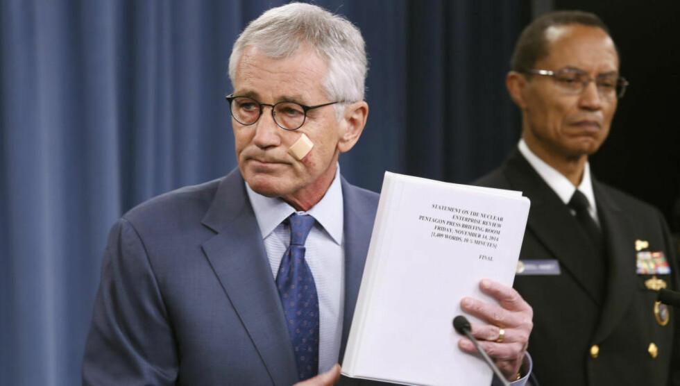 DYSTERT:  Rapporten som Pentagon, her ved USAs forsvarsminister, Chuck Hagel, la fram en dyster rapport under en pressebrief tidligere i dag. Foto: Reuters.