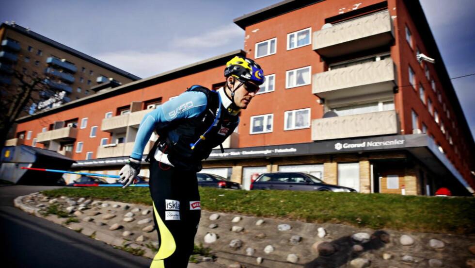 TRENER MYE: Øystein Pettersen trener hver morgen klokka åtte, mellom tre og seks timer hver dag.