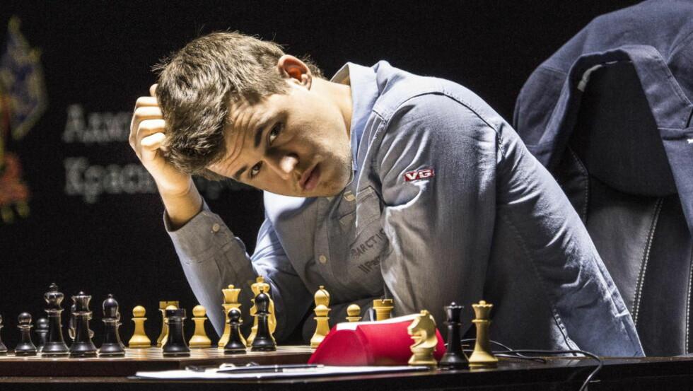 TABBET SEG UT: Magnus Carlsen sjokkerte en hel sjakkverden med sitt 26. trekk i dagens parti. Foto: Lars Eivind Bones / Dagbladet