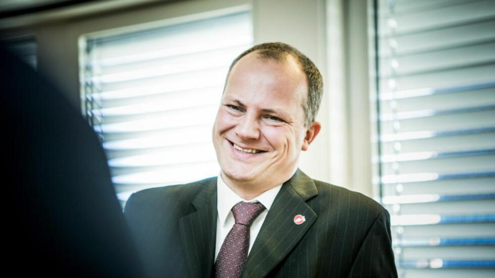 POSITIV: Samferdselsminister Ketil Solvik-Olsen (Frp) er åpen for innføring av personlige bilskilt i Norge. Foto: Christian Roth Christensen