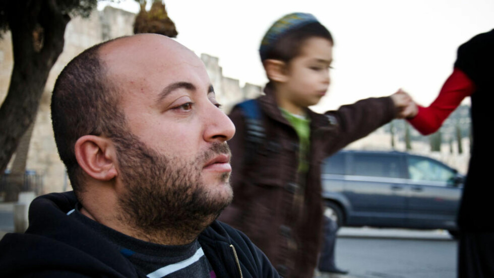 FOR SENT: Ali Siam er en palestiner fra Øst-Jerusalem. Han tror ikke det er noen vei tilbake. Foto: Silje Rønning Kampesæter