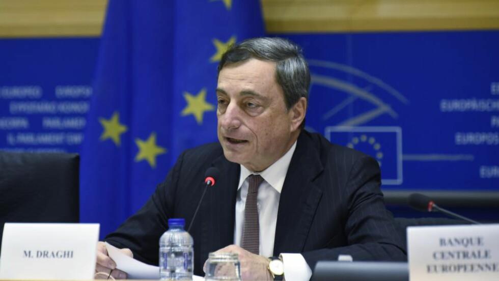 Mario Draghi:  Prøver etter beste evne å få fart på den økonomiske utviklingen. AFP PHOTO/JOHN THYS