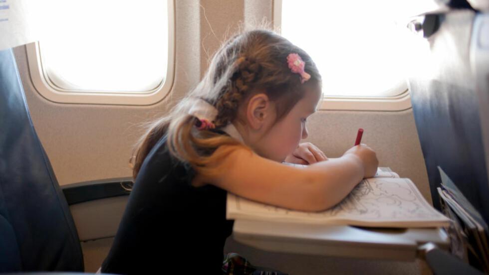 VIL HA BARNEFRI: Totalt vil 22 prosent betale ekstra for et flysete i barnefri sone på langreiser. 33 prosent sier det bør finnes barnefrie soner, men at de ikke vil betale noe for det. Foto: COLOURBOX