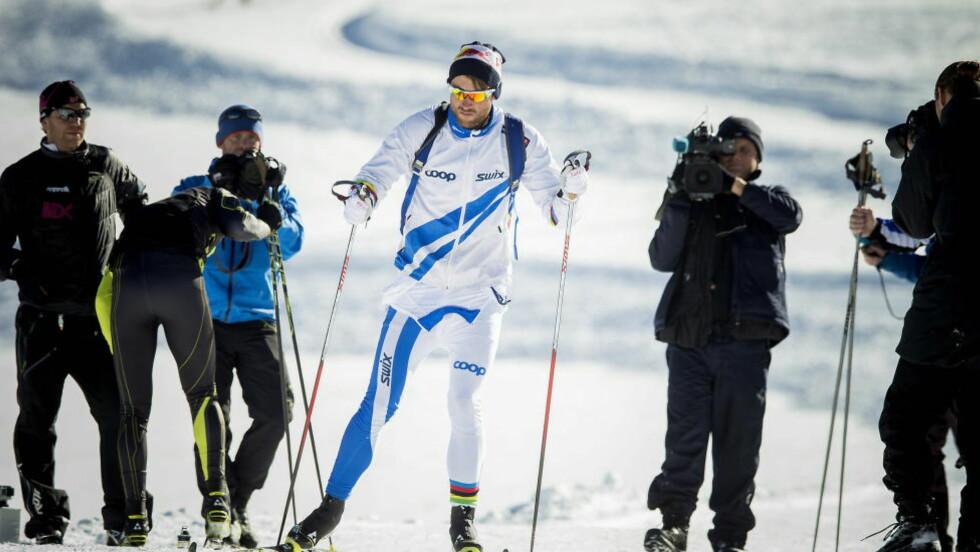 TRENGER ALL KONSENTRASJON:  Petter Northug ville ha ro før sesongstarten på Beitostølen i morgen og fikk slippe pressekonferanse. FOTO: Bjørn Langsem / DAGBLADET.