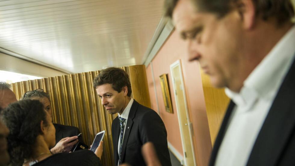 MOT LØSNING: KrF-leder Knut Arild Hareide (t.v) og Harald Tom Nesvik (Frp) Foto: Fredrik Varfjell / NTB scanpix