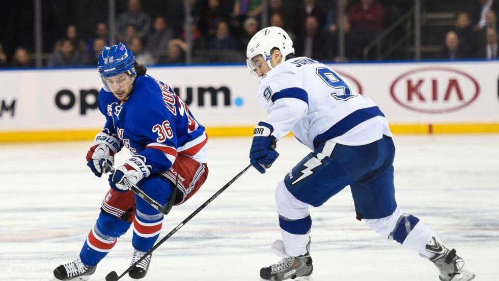 POENGLØS: Mats Zuccarello Aasen scoret ikke da New York Rangers vant i natt. Foto: Alex Goodlett/Getty Images/AFP