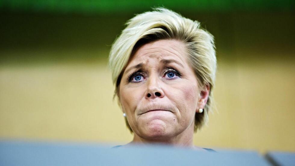 DÅRLIG NYTT: Frp-leder og finansminister Siv Jensen møter dårlige nyheter midt i innspurten av budsjettforhandlingene. Foto: Nina Hansen