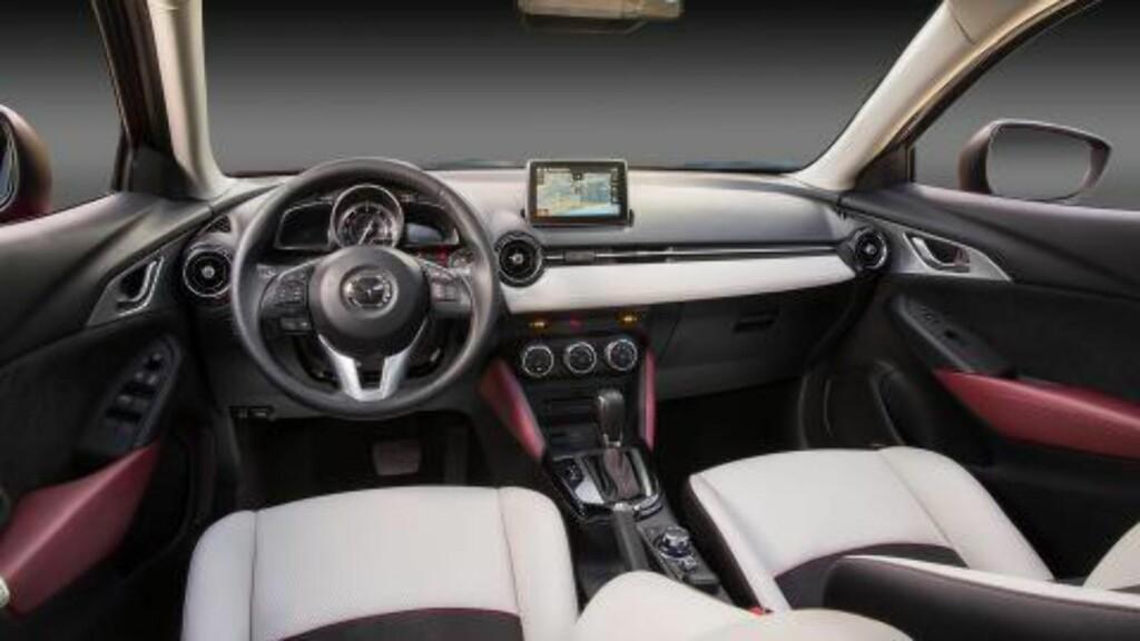 NYTT INTERIØR: CX-3 følger opp interiørdesignet fra Mazda2.  Foto: MAZDA