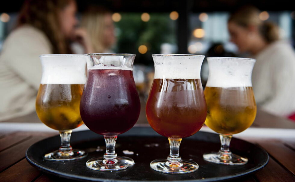 FOR MYE: Ifølge de amerikanske kriteriene er du en sporadisk stordranker dersom du inntar fire (kvinner) eller fem (menn) alkoholenheter ved en enkelt anledning. Foto: Benjamin A Ward / Dagbladet