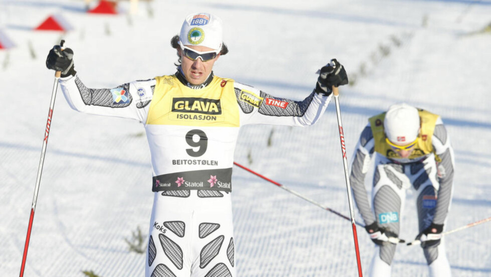 GULL: Mikko Kokslien lå på 10.-plass etter fredagens hopprenn, men satte inn rykket i den siste bakken og sikret seg NM-gull i kombinert lørdag. Foto: Terje Pedersen / NTB scanpix