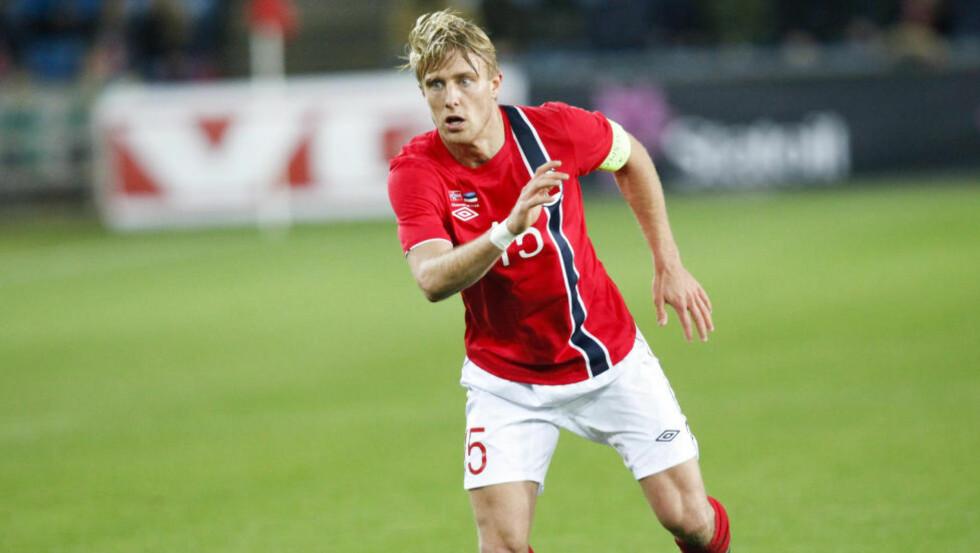 KAPTEIN: Per Ciljan Skjelbred fikk prøve seg som kaptein da Hertha Berlin tok en viktig seier ved å slå Köln 2-1 i tysk Bundesliga lørdag. Foto: Torstein Bøe / NTB scanpix