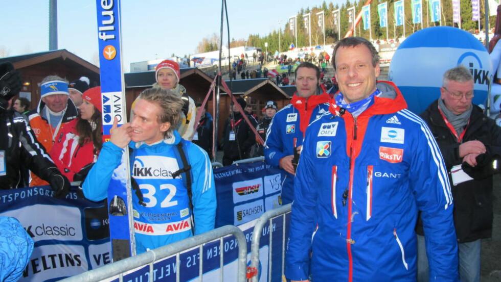 BESTE NORDMANN:  Anders Fannemel (til venstre) og trener Alexander Stöckl på sletta etter rennet. FOTO: TORE ULRIK BRATLAND