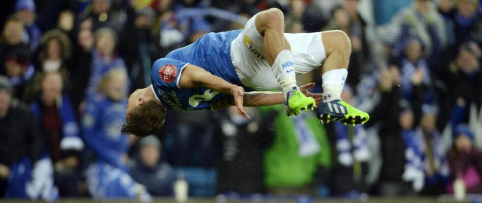 <strong>SJEKK DEN FEIRINGA:</strong> Fredrik Gulbrandsen feiret med en vanvittig salto etter å ha banket inn 1-0-målet i cupfinalen. Foto: John Terje Pedersen / Dagbladet