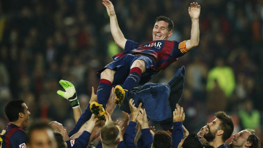 SCORINGSREKORD: Lionel Messi overtok scoringsrekorden i La Liga gjennom alle tider etter hat tricket i kampen mot Sevilla, der Barcelona vant 5-1. Foto:REUTERS / Albert Gea / NTB Scanpix