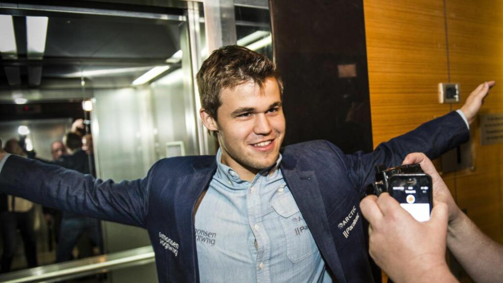 MØTER PUTIN: I går vant Magnus Carlsen sjakk-VM. I morgen kommer den russiske presidenten på avslutningssermonien. Foto: Lars Eivind Bones / Dagbladet