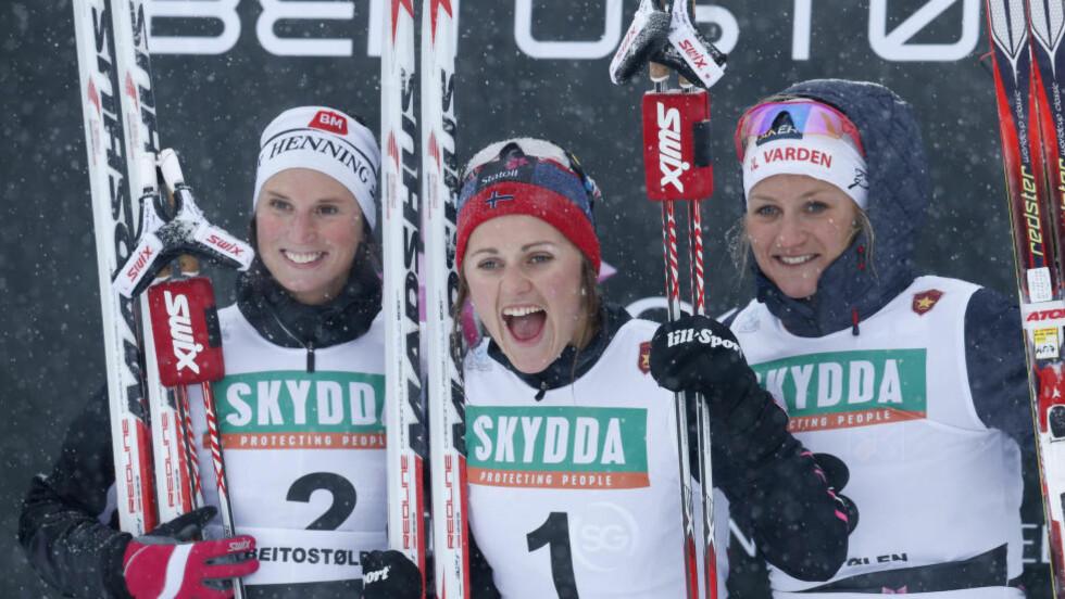 FÅR SJANSEN I FINLAND: Barbro Kvåle vant søndagens sprint  på Beitostølen, foran Kari Vikhagen Gjeitnes. Begge to ble tatt ut på Kuusamo-laget i dag. Foto: Terje Bendiksby / NTB scanpix